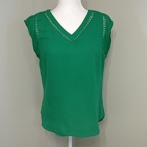 41 Hawthorn Kelly Green Flutter Sleeve Top S